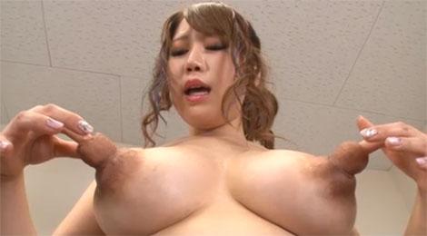 乳首に指を入れて乳首オナニーする杏