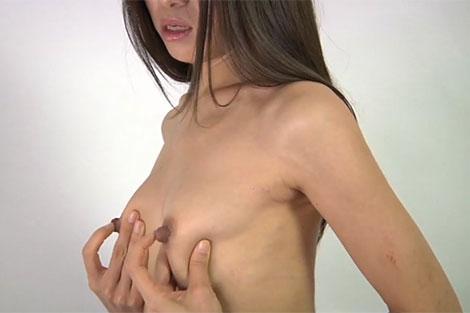 長乳首女の乳首オナニー