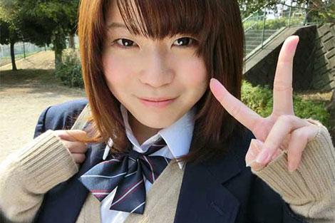 色白で可愛らしい生田りく(18歳)
