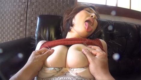 セルフ母乳噴出