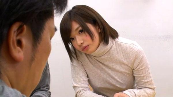 ロリ系で超可愛い成海うるみ(麻里梨夏)ちゃん