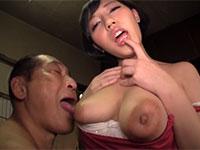 乳首を舐められてトロケ顔の女性