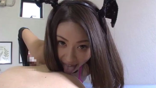 吉田花の乳首舐め手コキ