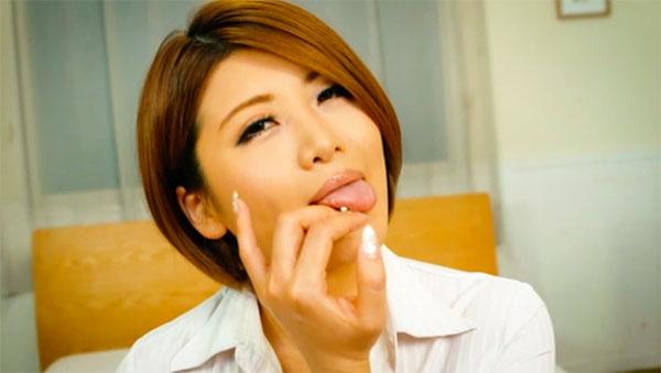 推川ゆうりさんの疑似乳首舐め
